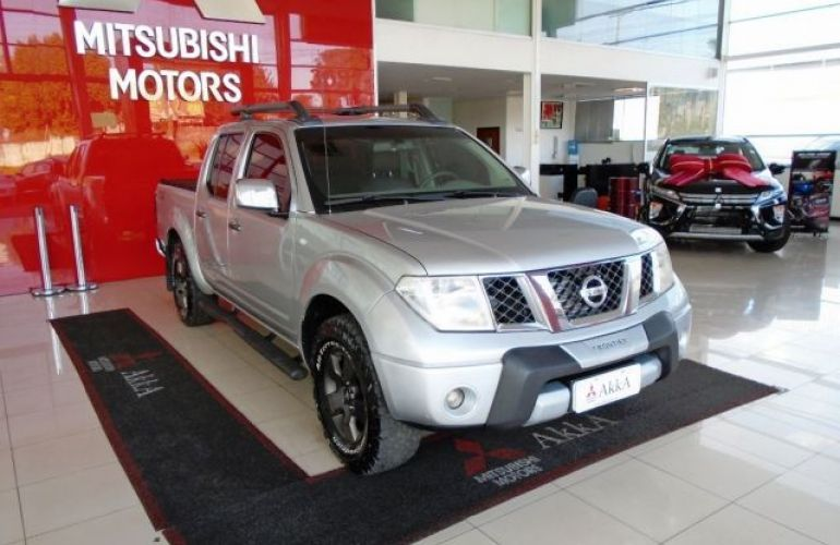 Nissan Frontier LE 4X4 Cabine Dupla 2.5 Turbo Eletronic - Foto #3