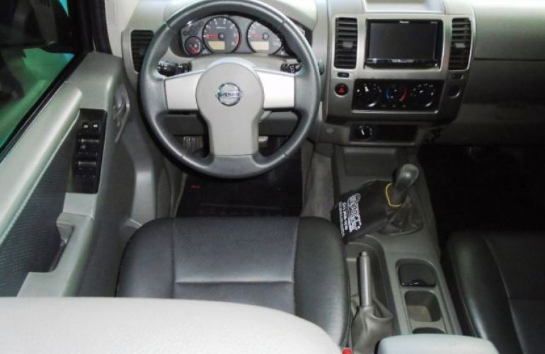 Nissan Frontier LE 4X4 Cabine Dupla 2.5 Turbo Eletronic - Foto #8