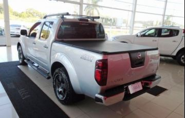 Nissan Frontier LE 4X4 Cabine Dupla 2.5 Turbo Eletronic - Foto #10