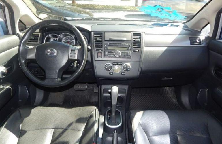 Nissan Tiida SL 1.8 16V Flex - Foto #3