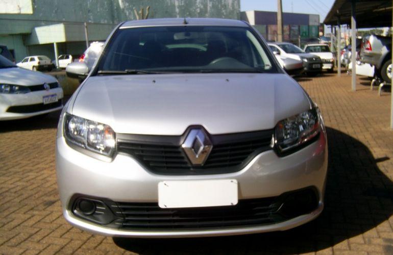 Renault Logan Authentique 1.0 16V (flex) - Foto #4