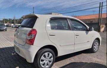 Toyota Etios XS 1.3 16V Flex - Foto #3
