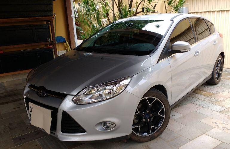 Ford Focus Hatch Titanium 2.0 16V PowerShift - Foto #2