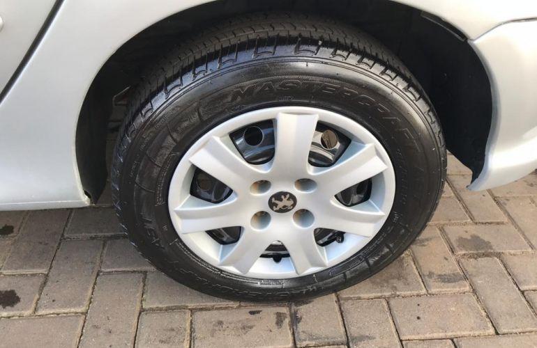 Peugeot 206 Hatch. 1.4 8V (flex) - Foto #4