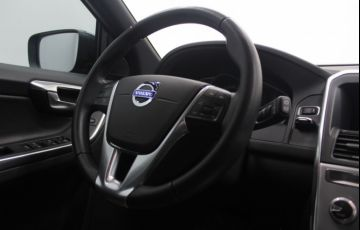 Volvo XC60 2.4 D5 Kinetic 4WD - Foto #8