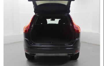 Volvo XC60 2.4 D5 Kinetic 4WD - Foto #9