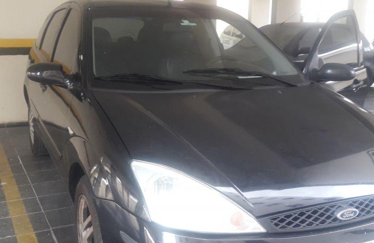 Ford Focus Hatch Ghia 2.0 16V Duratec (Aut) - Foto #9