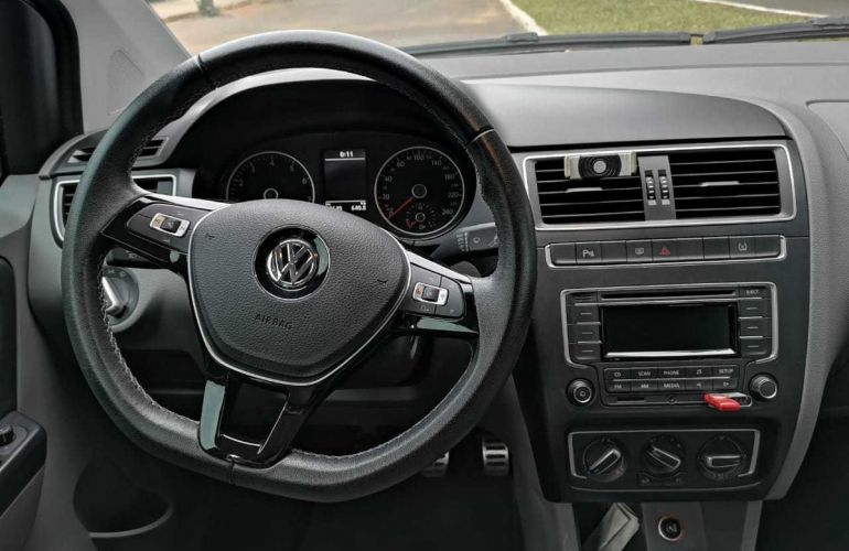 Volkswagen Fox Highline 1.6 16v MSI (Flex) - Foto #4