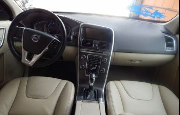 Volvo XC60 Dynamic FWD 2.0 T5 Turbo - Foto #5