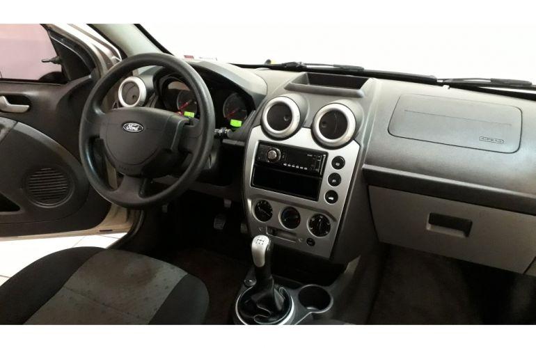 Ford Fiesta Hatch Class 1.6 (Flex) - Foto #3