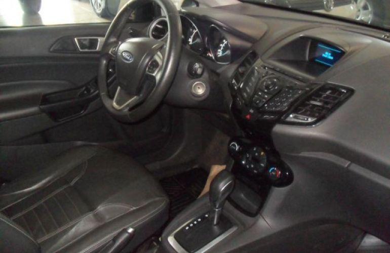 Ford Fiesta Titanium PowerShift 1.6 - Foto #5