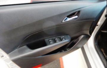 Hyundai HB20X Premium 1.6 Gamma Flex 16V - Foto #10