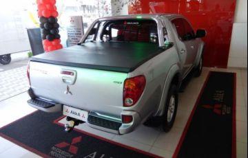 Mitsubishi L200 Triton HPE 4x4 Cabine Dupla 3.2 16V - Foto #5