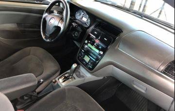 Fiat Linea 1.9 16V Dualogic (Flex) - Foto #8
