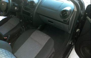 Ford Fiesta Hatch 1.6 (Flex) - Foto #3
