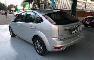 Ford Focus Hatch Ghia 2.0 16V (Aut) - Foto #5