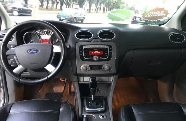 Ford Focus Hatch Ghia 2.0 16V (Aut) - Foto #10