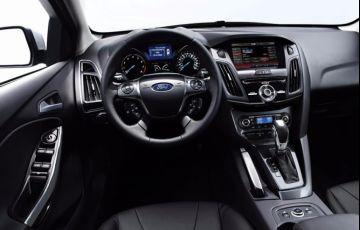 Ford Focus Sedan Titanium Plus 2.0 16V PowerShift (Aut) - Foto #6