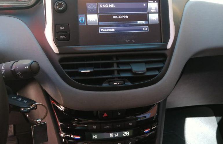 Peugeot 208 Active Pack 1.2 12V (Flex) - Foto #1