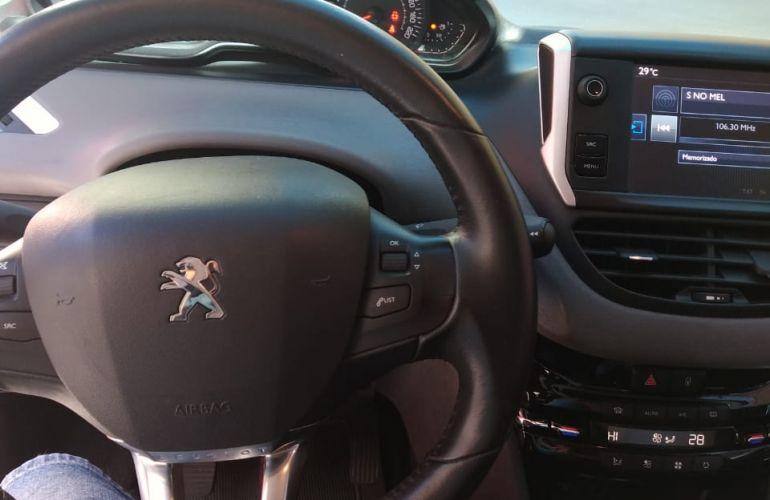 Peugeot 208 Active Pack 1.2 12V (Flex) - Foto #2