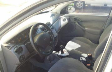 Ford Focus Hatch GL 1.8 16V - Foto #2