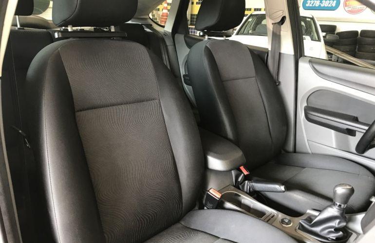 Ford Focus Hatch GLX 1.6 8V (Flex) - Foto #7