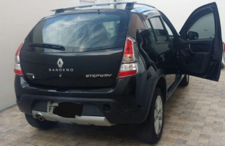Renault Sandero Stepway 1.6 16V Hi-Flex (aut) - Foto #8