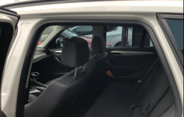 BMW X1 2.0 sDrive18i Top (aut) - Foto #6