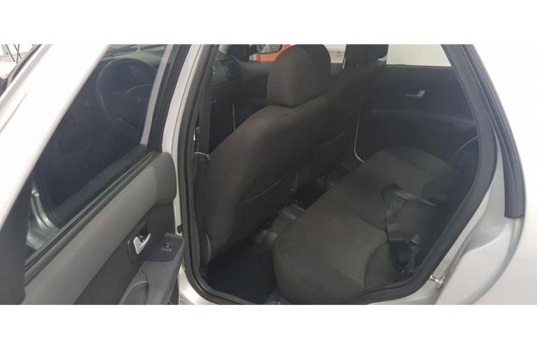 Volkswagen Fox Trendline 1.6 MSI (Flex) - Foto #7