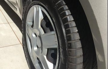 Ford Fiesta Hatch Rocam 1.0 (Flex) - Foto #5