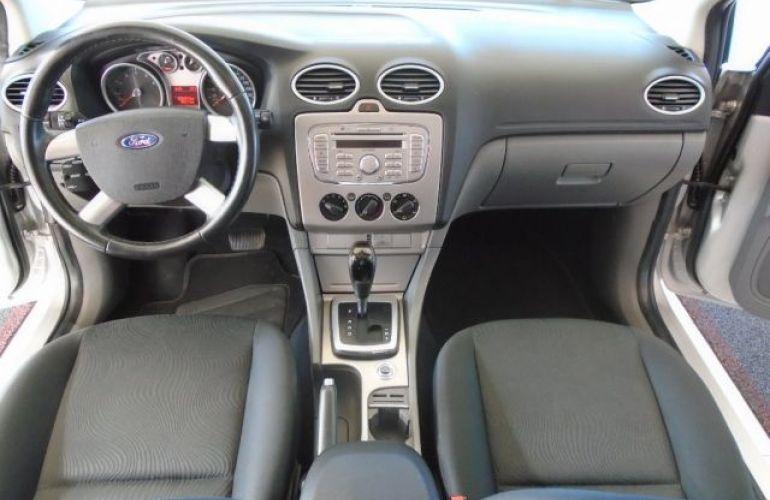 Ford Focus GLX 2.0 16V Flex - Foto #6