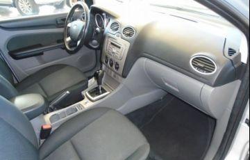 Ford Focus GLX 2.0 16V Flex - Foto #7