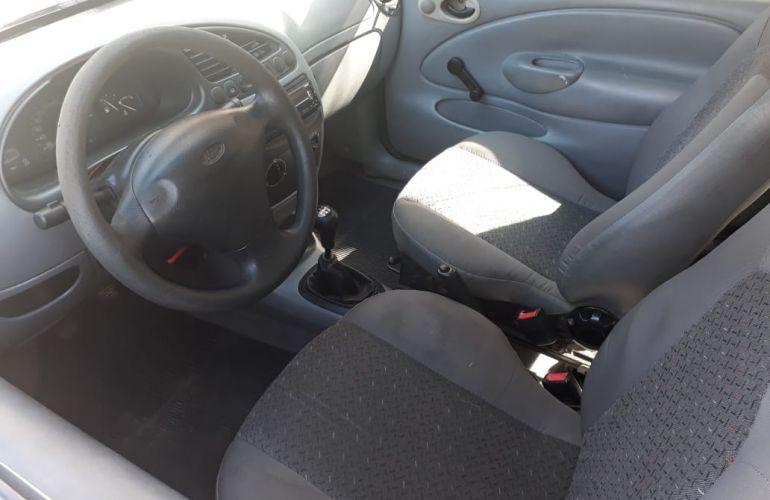 Ford Fiesta Hatch 1.3 i 2p - Foto #1