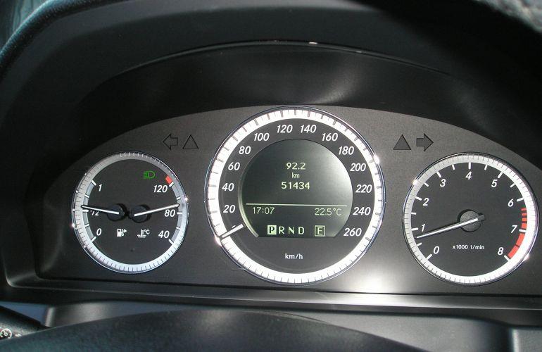 Mercedes-Benz C 180 CGI Classic Blue Efficiency - Foto #7