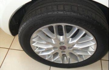 Fiat Punto Essence Dualogic 1.6 16V Flex - Foto #8