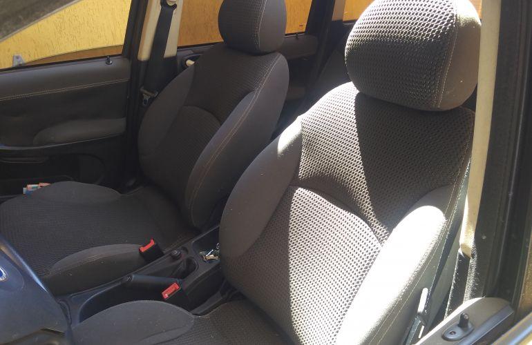 Fiat Stilo Sporting 1.8 8V (Flex) - Foto #6