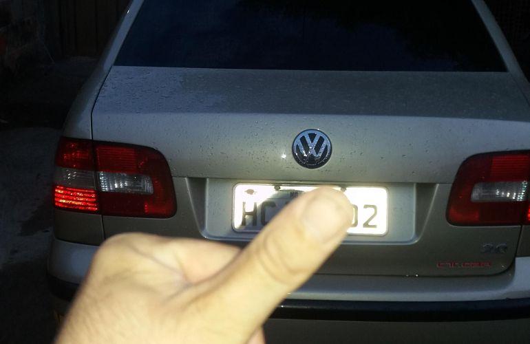 Volkswagen Polo Sedan 2.0 8V - Foto #4