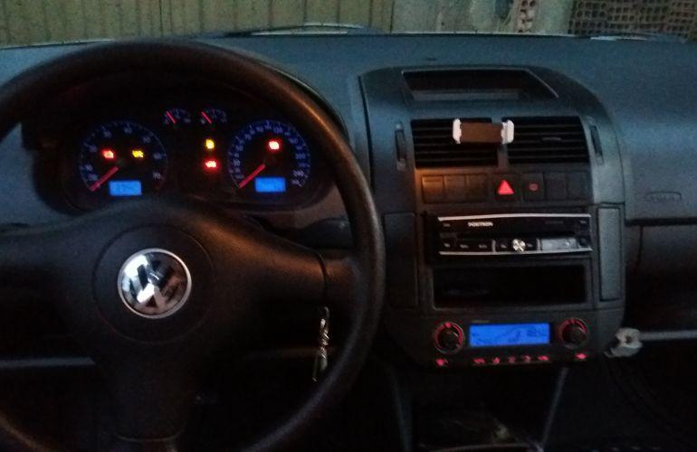 Volkswagen Polo Sedan 2.0 8V - Foto #8