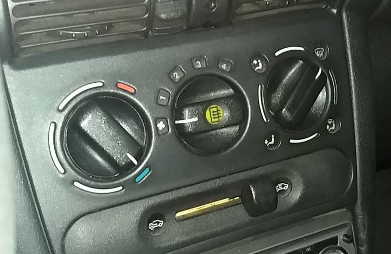 Chevrolet Corsa Sedan Super 1.0 MPFi 16V - Foto #6