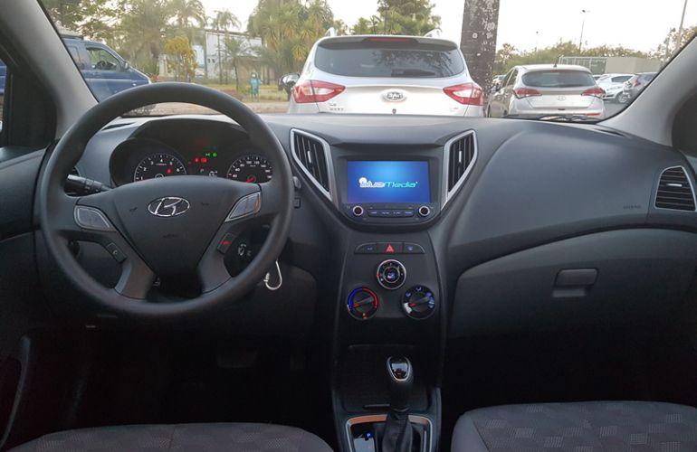 Hyundai HB20S 1.6 Style (Aut) - Foto #8