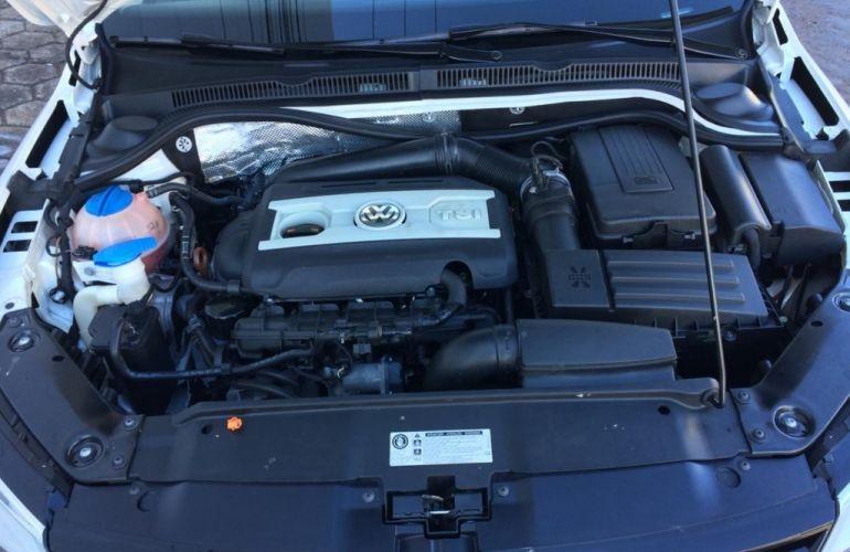 Volkswagen Jetta 2.0 TSI Highline DSG - Foto #10