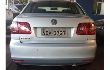 Volkswagen Polo Sedan 1.6 8V - Foto #2