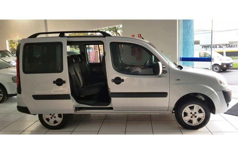 Fiat Doblò Essence 1.8 7L (Flex) - Foto #2