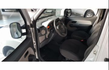 Fiat Doblò Essence 1.8 7L (Flex) - Foto #10