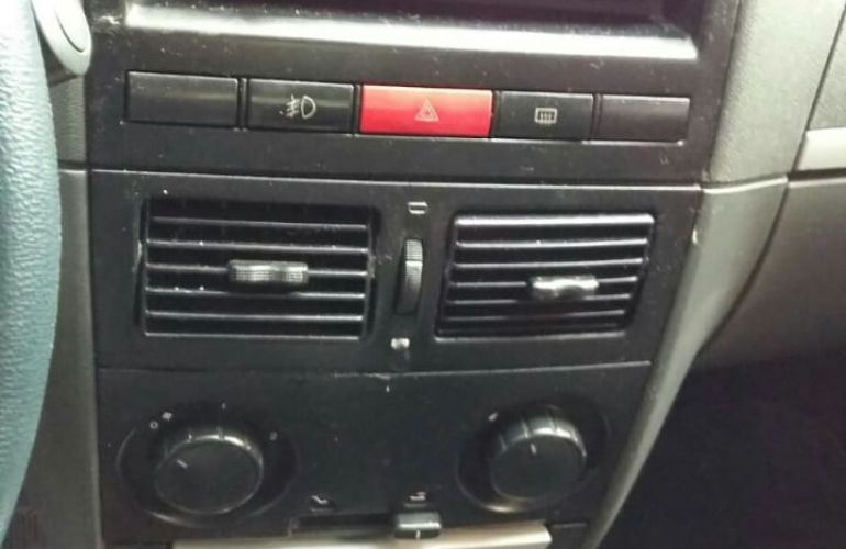 Fiat Palio ELX 1.0 8V - Foto #5