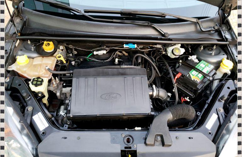 Ford Fiesta Hatch SE 1.0 RoCam (Flex) - Foto #9