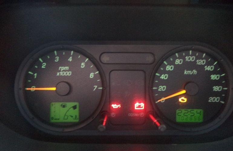 Ford Fiesta Sedan 1.0 (Flex) - Foto #10