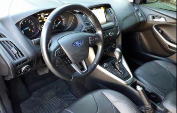 Ford Focus Hatch SE Plus 2.0 16V PowerShift - Foto #6