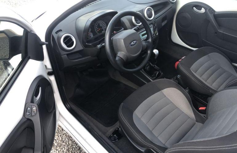 Ford Ka 1.6 Sport (Flex) - Foto #10