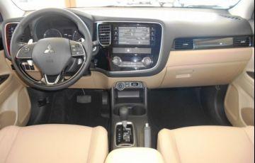 Mitsubishi Outlander DI-D 2.2 16V - Foto #9